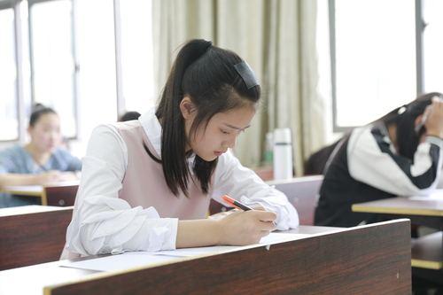 公务员考试都考哪些科目?笔试内容是什么?
