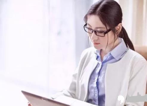 女生学什么专业就业前景好?专业大学全推荐